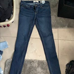 Low rise Hollister jeans!